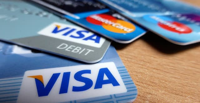 5 Ways You Can Use Your Credit Card To Your Advantage